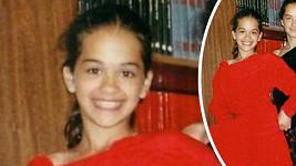 Malá Rita Ora na snímku s kamarádkou.
