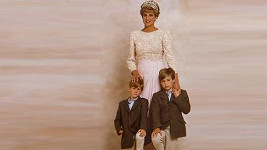 Diana se svými syny Williamem a Harrym na dosud nepublikovaném snímku.