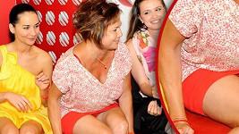 Ilona Svobodová si oblékla velmi krátkou sukni.
