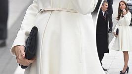 Vévodkyně z Cambridge je už v šestém měsíci těhotenství.