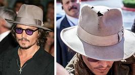 Johnny Depp nosí klobouk již řadu let a je to vidět...