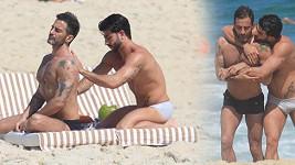 Návrhář Marc Jacobs a jeho přítel Harry na dovolené v Rio De Janeiru.