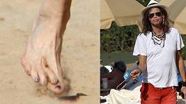 Steven Tyler a jeho deformovaná noha s nalakovanými nehty.