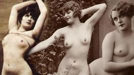 Erotické snímky z dob našich prarodičů nejsou až tak cudné, jak by mnozí z nás očekávali.