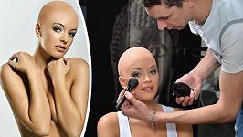 Česká Miss 2010 se zbavila své krásné hřívy.