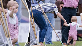Kate s princem Georgem přišli na Den otců podpořit Williama při hraní póla.