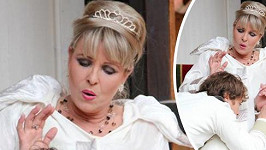 Chantal v roli francouzské královny okouzlila Filipa Tomsu.