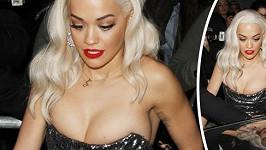 Rita Ora by si zasloužila větší šaty.