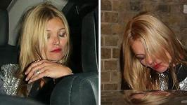 Kate Moss si užívá týden módy v Londýně po svém.
