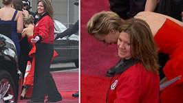 Jennifer měla zase problém udržet se na nohou.
