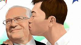 Václava Klause vyobrazili coby gaye s mladým milencem.