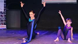 Hanka Kynychová ve svém věku pořád cvičí a tančí jako zamlada.