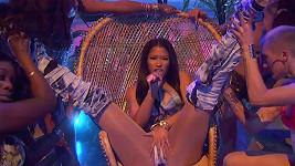 Nicki Minaj předvedla eroticky-hudební show.