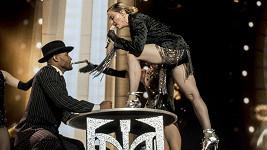 Madonna během koncertu v Louisville, jehož publikum moc nenadchla.