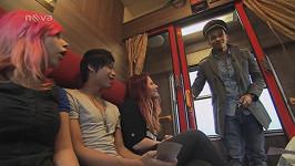Ben Cristovao ve vlaku se soutěžícími