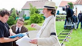 Bolek Polívka natáčí druhý díl Dědictví na Rodenově zámku ve Skrýšově u Sedlčan.