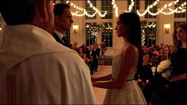 Meghan Markle se před svatbou s princem Harrym stihla vdát i v seriálu Kravaťáci.
