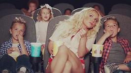 Britney obsadila do nového klipu i své dva syny.