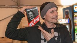 Matěj Homola s parodií o Richardu Krajčovi