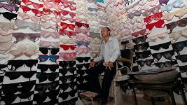 Čínský sběratel nashromáždil přes pět tisíc podprsenek.