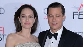 Angelina Jolie a Brad Pitt prý plánují rozvod.