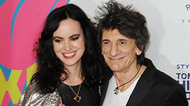 Ronnie Wood s manželkou Sally Humphreys