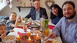 Dáda Patrasová a Felix Slováček zasedli u jednoho stolu.