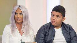 Katie Price se synem Harveyem