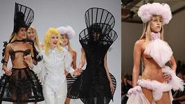 Na přehlídce Pam Hogg byly k vidění skutečně netradiční nejen svatební modely.