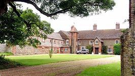 Zde budou pobývat William s Kate a jejich malých Georgem nejspíš až do dubna.