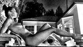 Přítelkyně Jesse Metcalfa Cara není zrovna stydlivka.