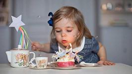 Princeznička Leonore oslavila druhé narozeniny.