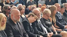 Rodina se naposledy rozloučila s Františkem Nedvědem.