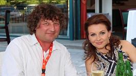 Manžel Petr Malásek na Danu trpělivě čekal.
