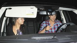 Zamilovaný pár Ashton Kutcher a Mila Kunis už svůj vztah netají.