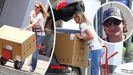 Modelka stěhuje do bytu spotřebiče. A kde je její partner?