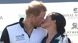 Královský polibek Harryho a Meghan