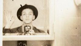 Třiadvacetiletý Frank Sinatra
