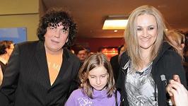 Rodinné štěstí Genzera a Finkové je pryč.