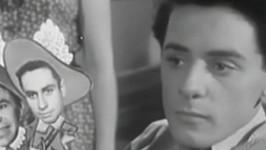 Ivan Mistrík ve své nejznámější filmové roli. Jako Vlastík Ryšánek je ve filmu Vyšší princip se svými spolužáky zastřelen