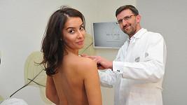 Ani finále světové soutěže krásy nezaručí spokojenost se sebou. Může Nikole Buranské ke spokojenosti pomoci plastika prsou?
