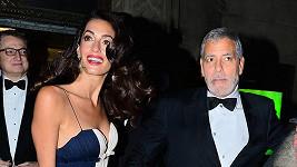 George a Amal se mají rozdvádět...