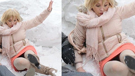 Dana Morávková ve své nové odvážné a zmrzlé akční scéně.
