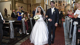 Petr Poláček a Kateřina Huková se těší na prvního potomka. Loni se brali.