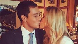 Nicky Hilton a James Rothschild budou rodiči.