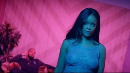 Rihanna už zase provokuje!