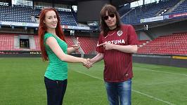 Aleš Brichta s přítelkyní