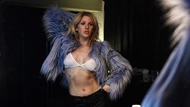 Z Ellie Goulding je sexy provokatérka.