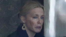 Kylie Minogue vypadala hodně sklesle.