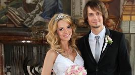 Lucie Červíková si vzala bubeníka Lukáše Pavlíka.